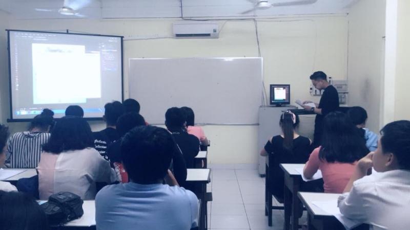 Một lớp học tại trung tâm IDC